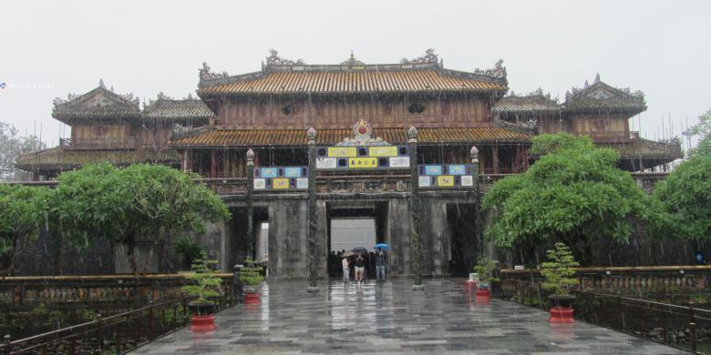 1800公里骑行记三 顺化皇城篇 (2012 岘港-顺化-会安-芽庄-美奈-头顿-